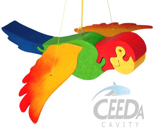 CEEDA DŘEVO Papoušek skákací k zavěšení na pružině *DŘEVĚNÉ HRAČKY*