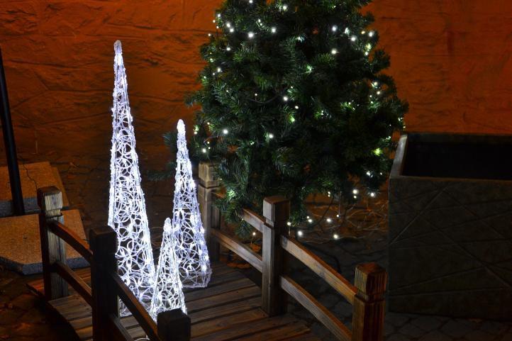 Vánoční akrylový jehlan 60 cm - studeně bílý, do zásuvky