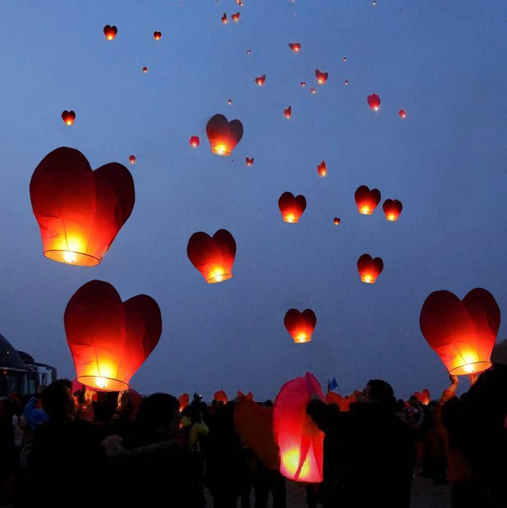 Lampiony štěstí 10 kusů - tvar srdce červené