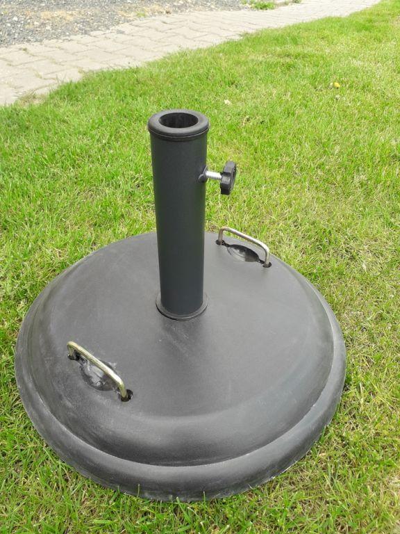 Podstavec pod slunečník betonový 22 kg
