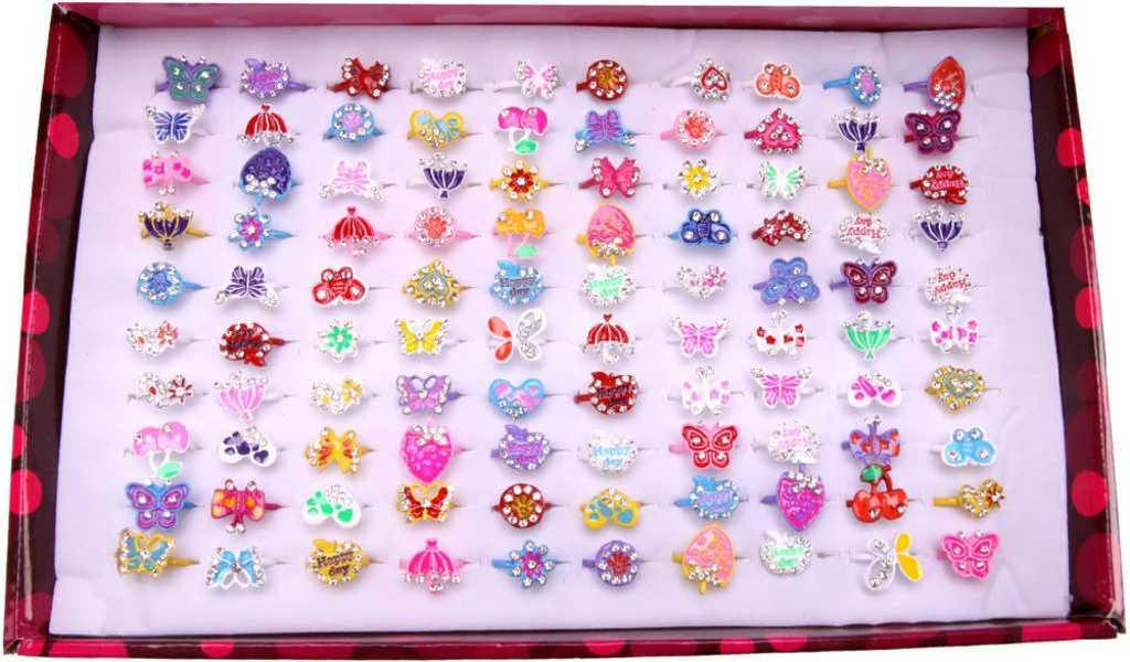 Prstýnek s drahokamy dětská bižuterie různé druhy