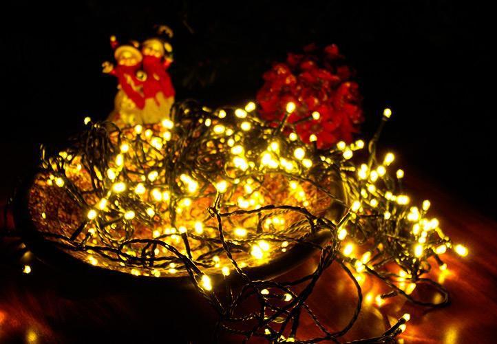 Vánoční LED osvětlení 4 m - teple bílé 40 LED s časovačem