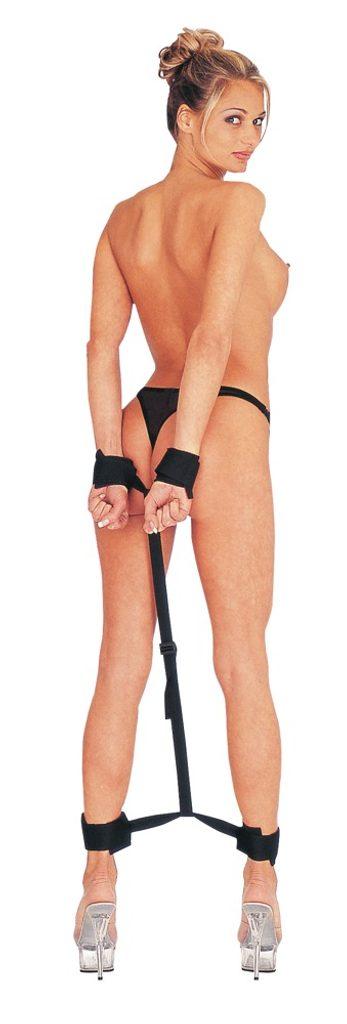 Pouta na nohy a ruce spojená za zády