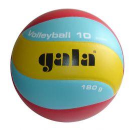 Volejbalový míč