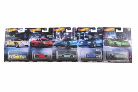 Hot Wheels Prémiové auto 5 druhů - velikáni FPY86