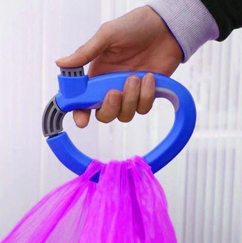 Přenosný držák na tašky